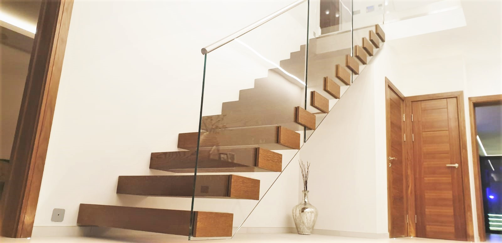 Picture of: Sussex Bespoke Staircases Designed By Brighton Balustrade